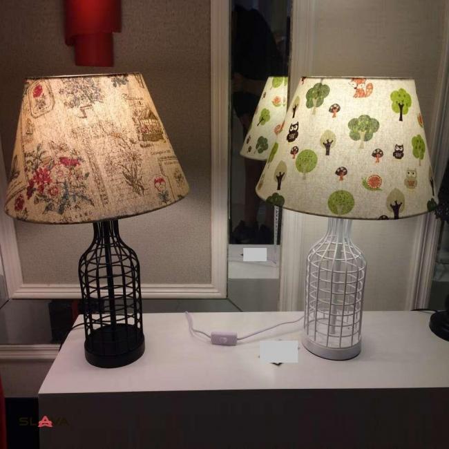 Настольная лампа с принтованным цветным абажуром и основанием в виде бутылки (ZD020TBS)